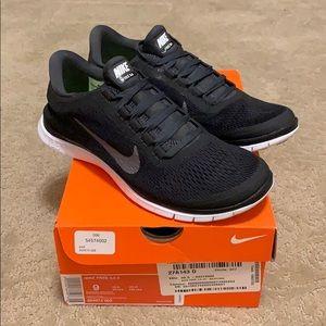 Nike Free 3.0 V2 Black Size 9.0. New.